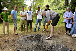 Traditional bean pit demo: shoveling off coals | by Slow Food Seacoast