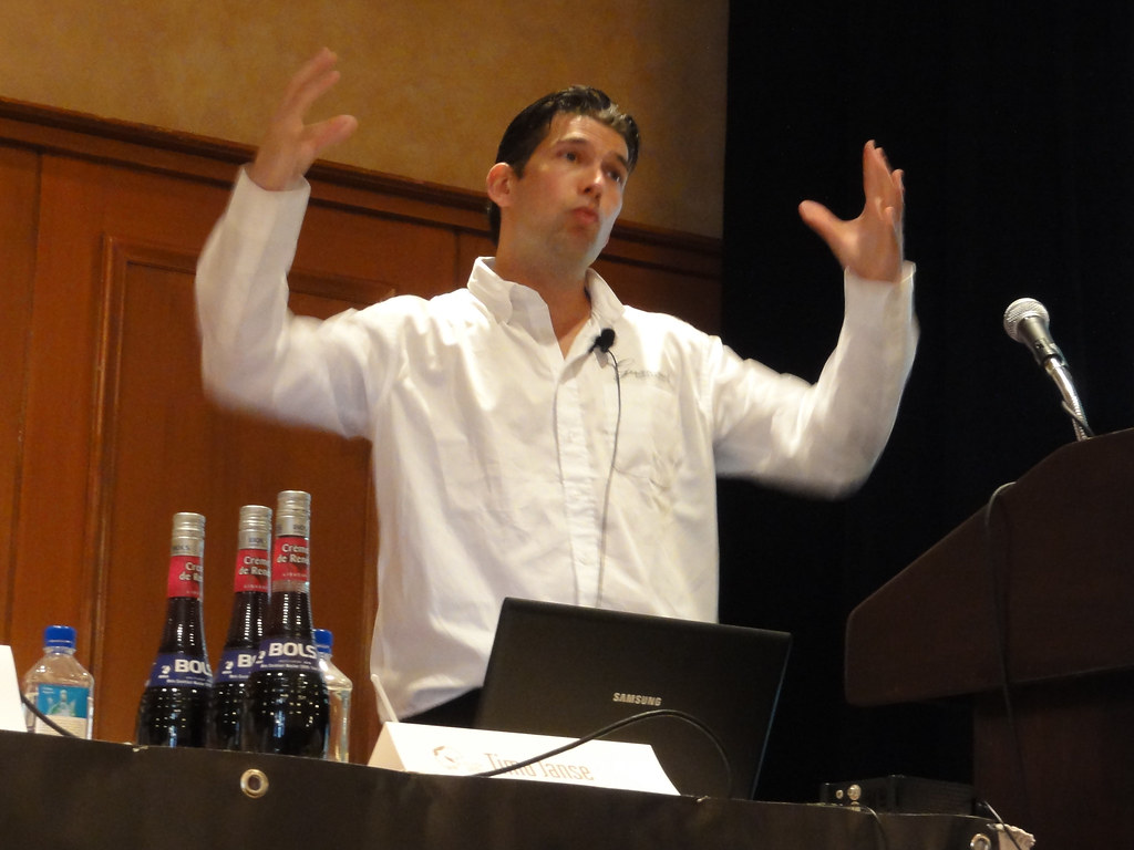 Timo janse he 39 s a bartender at door 74 in amsterdam for Door 74 amsterdam