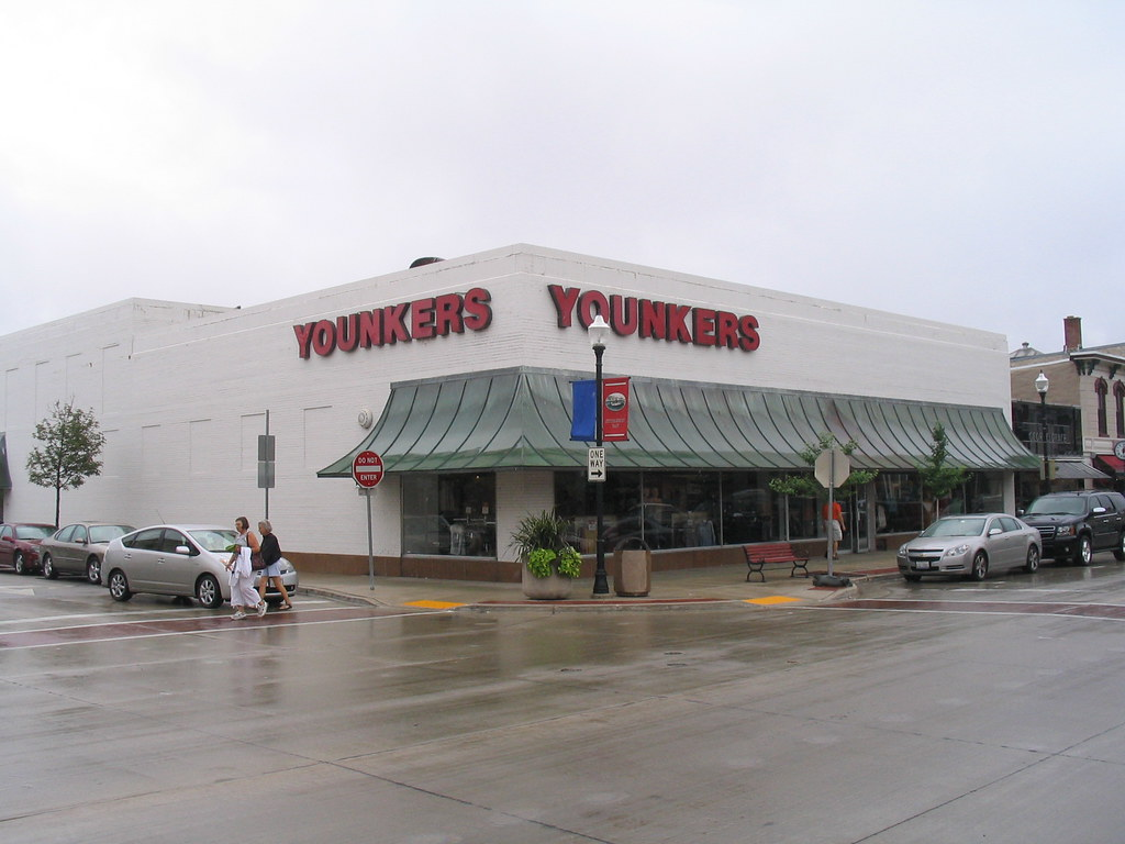 Younkers (Sturgeon Bay, WI) | An old, downtown department ...