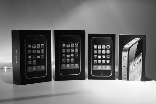 iPhone 3G, iPhone 3GS and iPhone 4 Boxes | by humedini