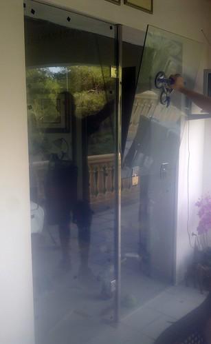Puerta de vidrio templado y ventana para ventilaci n flickr for Cristaleria benissa