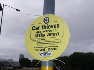 Car Thieves are active in this area - warning sign on Banbury Street | by ell brown