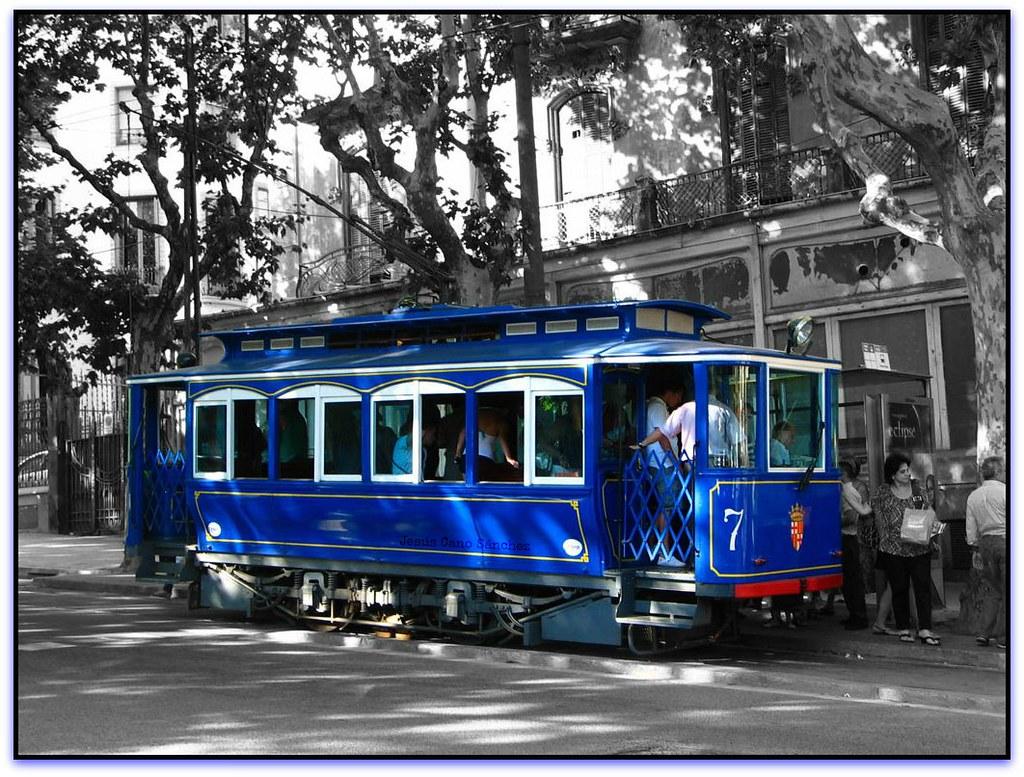 Tramvia blau pla a kennedy sarri st gervasi barcelona - Placa kennedy barcelona ...