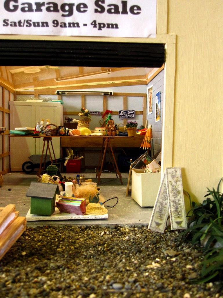 Miniature garage sale amcsviatko flickr for Garage mini 77