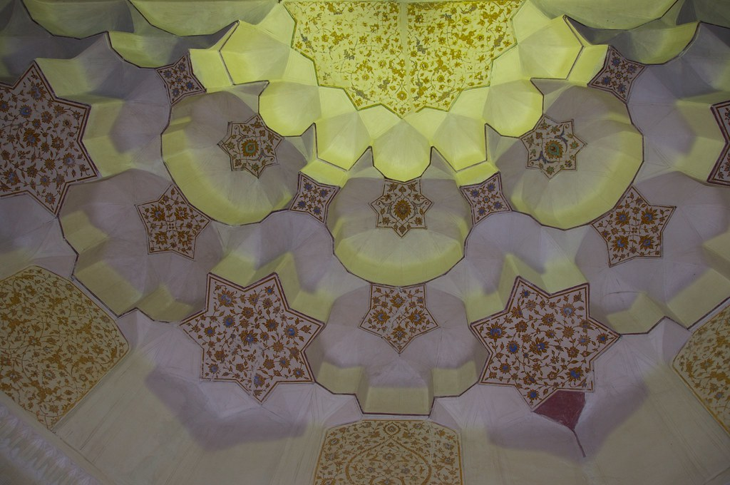Islamic Plaster Ceiling | At the tomb of Sufi saint and poet ...