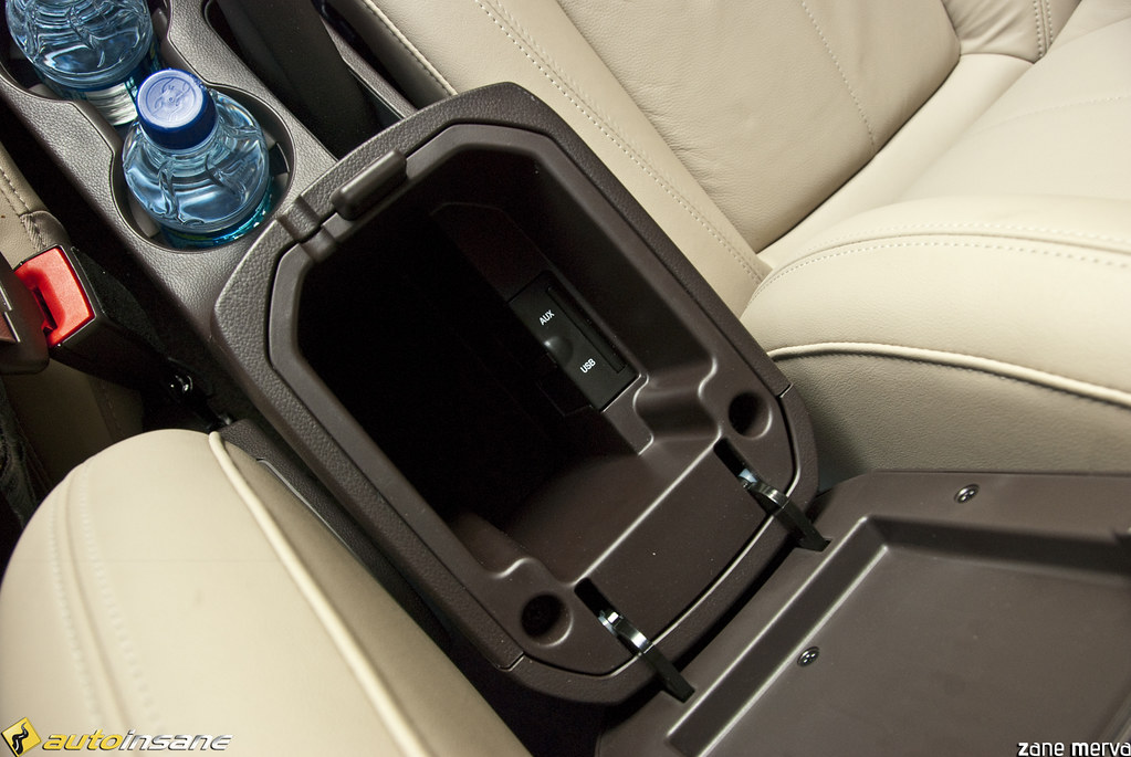 2011 Chevrolet Cruze AUX/USB Ports   2011 Chevrolet Cruze ...