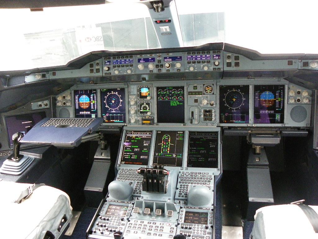 ImagesC Airbus A380 Cockpit