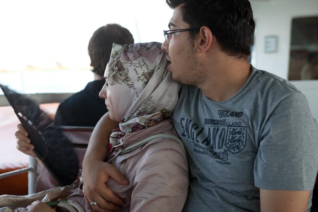 Brazzers sikiş videosu izle Olgun kadın gence Karşı