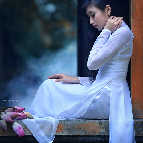 White - Ao dai Vietnam  - [Explored] | by TA.D