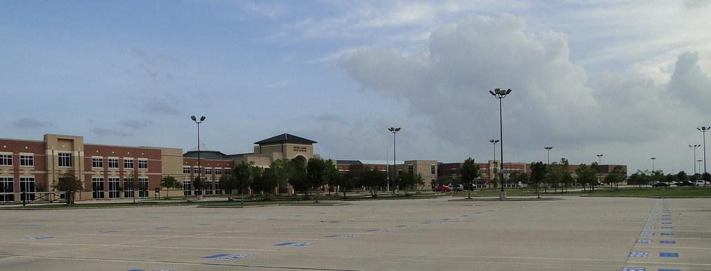 Seven Lakes High School Katy Tx Mcglawn 9 9 10 Jpg Flickr