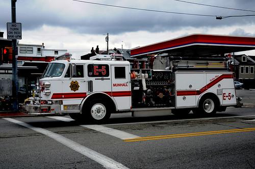 091710 pittsburgh fire truck thomiccor flickr. Black Bedroom Furniture Sets. Home Design Ideas
