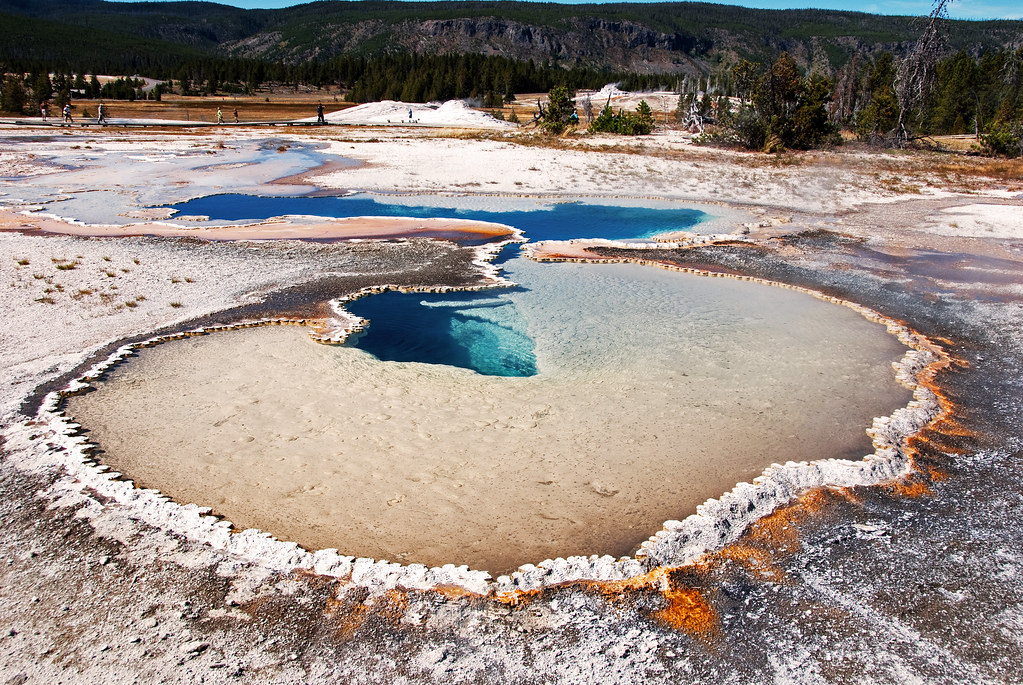 Doublet Pools Yellowstone National Park Doublet Pool Is