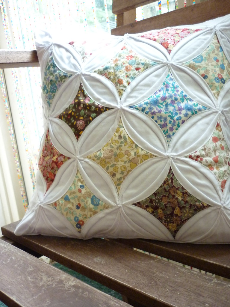 Cathedral Windows Pillow Made As A Birthday Gift For A Fri Flickr