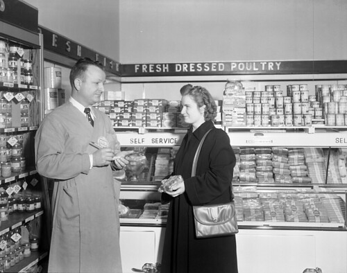 N_53_15_6340 Piggly Wiggly Store Selling and Displays 1949 | by State Archives of North Carolina