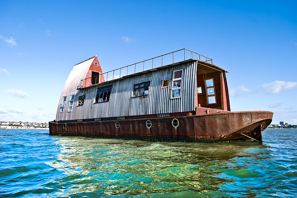 houseboat channel 4 39 s grand designs houseboat floating