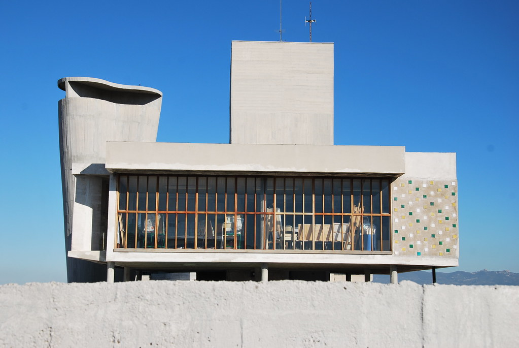 Le corbusier unit d 39 habitation marseille on the roof flickr - Toulousaine d habitation ...