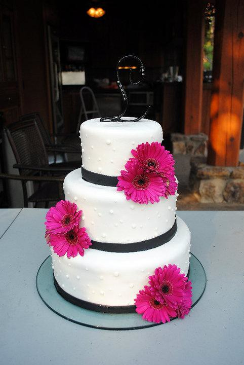 gerbera daisy wedding cakes pink wedding cake jan lewandowski flickr 14667