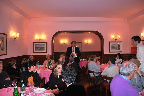 Fiorenzo smalzi fa gli onori di casa all 39 harry 39 s bar firen for Registrare gli stili di casa
