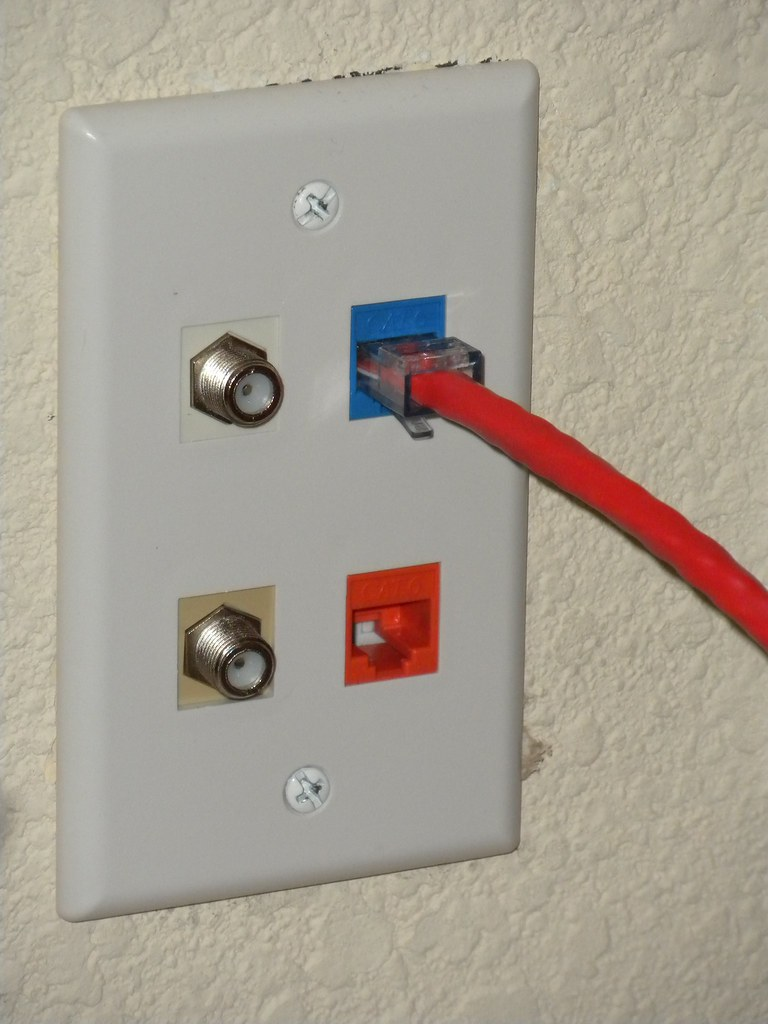 Living Room Outlets In Mumbai