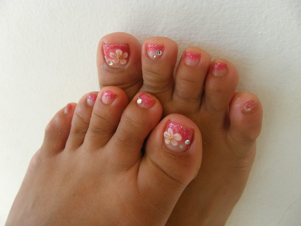 GEL NAIL Pedicure With 3D Flowers Acrylic