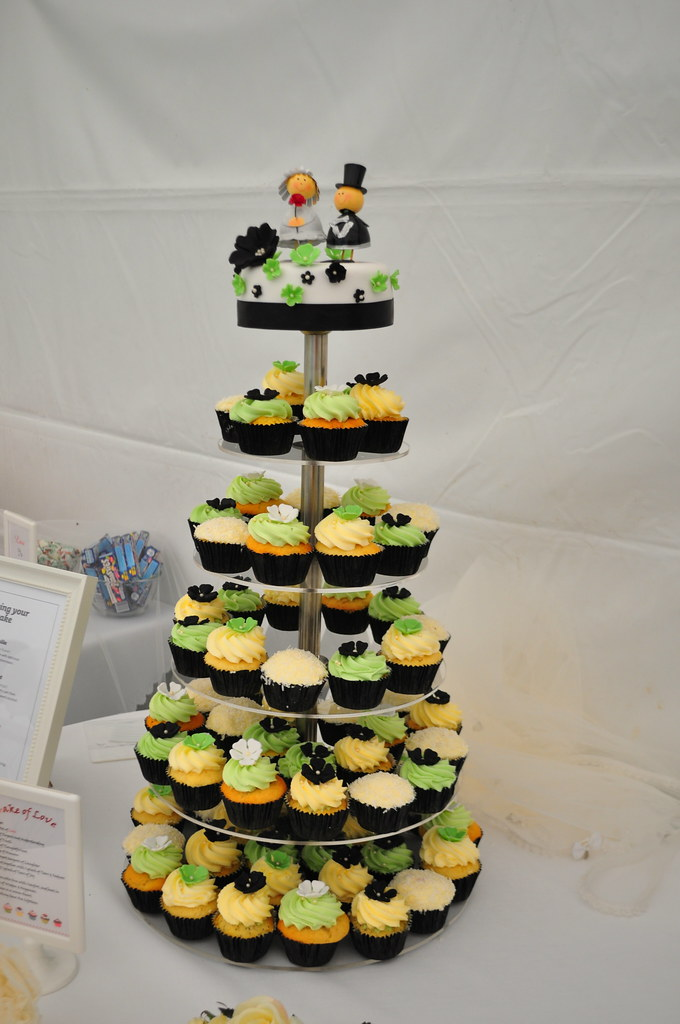 lime green and black wedding cakes lime green black and white wedding a mix of 16893