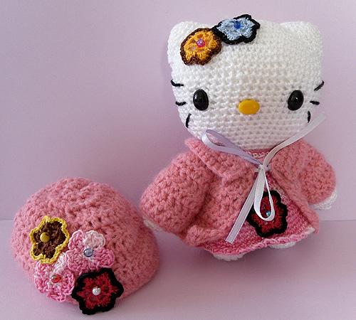 HELLO KITTY Amigurumi whit hat Here is a unic creation ...