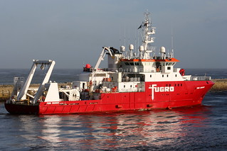 Fugro Discovery | by calzer
