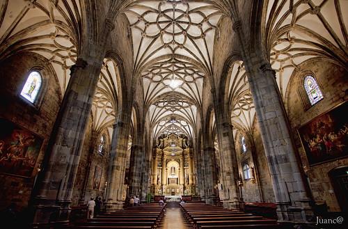 Basílica de Nuestra Señora de Begoña  La Basílica de Nuestr…  Flickr