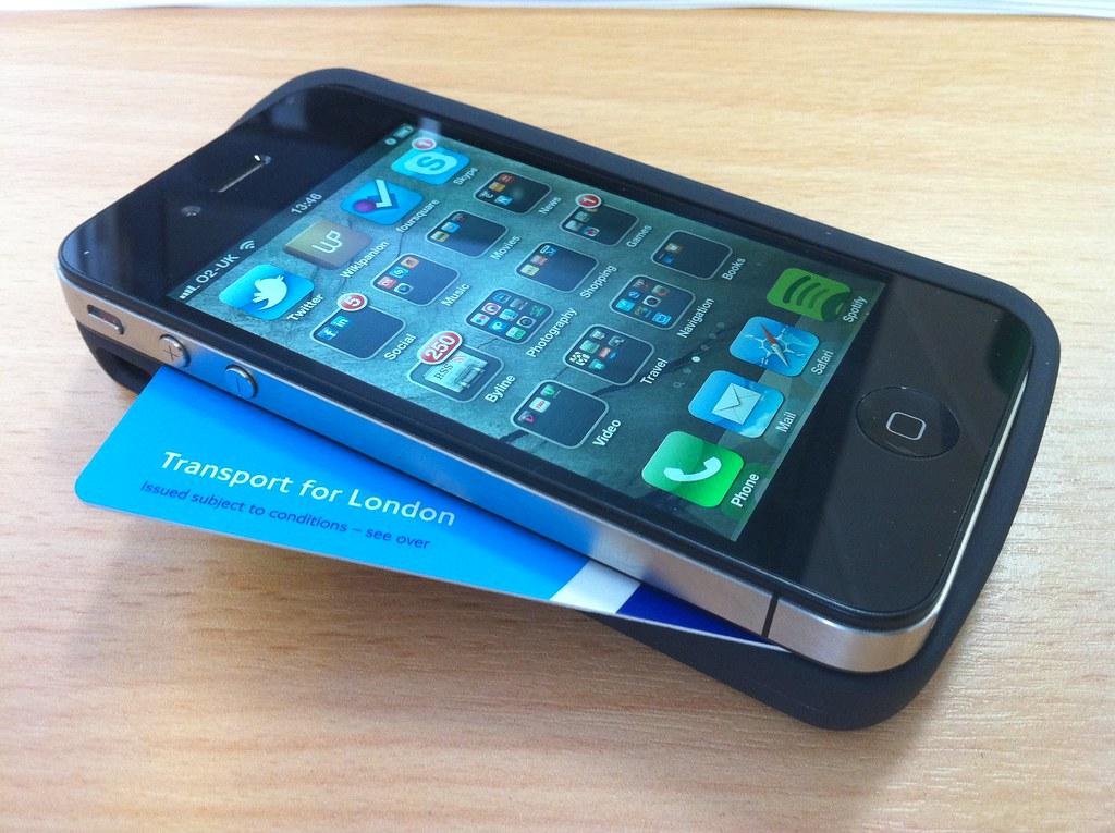 iPhone 5  Википедия