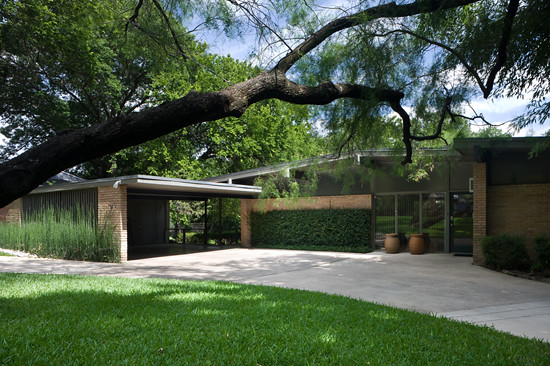 Delrose dr dallas tx built 1955 architect joseph for Contemporary houses in dallas for sale