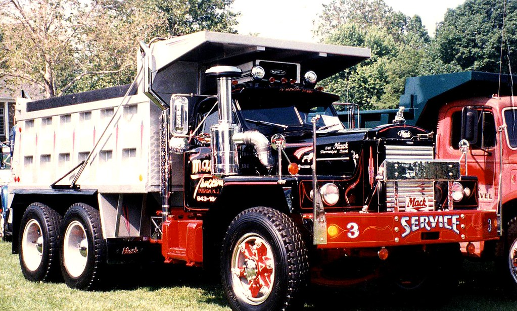 B 81 Mack Dump Truck | Seen at 2000 ATHS national show in ...
