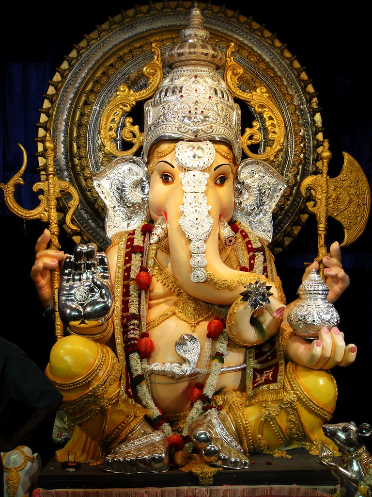 3 Best Ganesh Mandals which you should not miss in Pune!