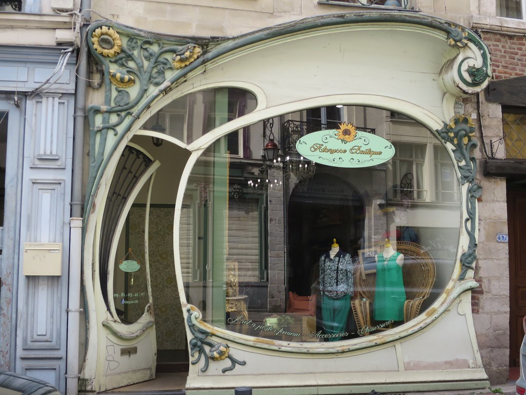 Boutique art nouveau vers 1900 rue jean bellegambe do - Art nouveau architecture de barcelone revisitee ...