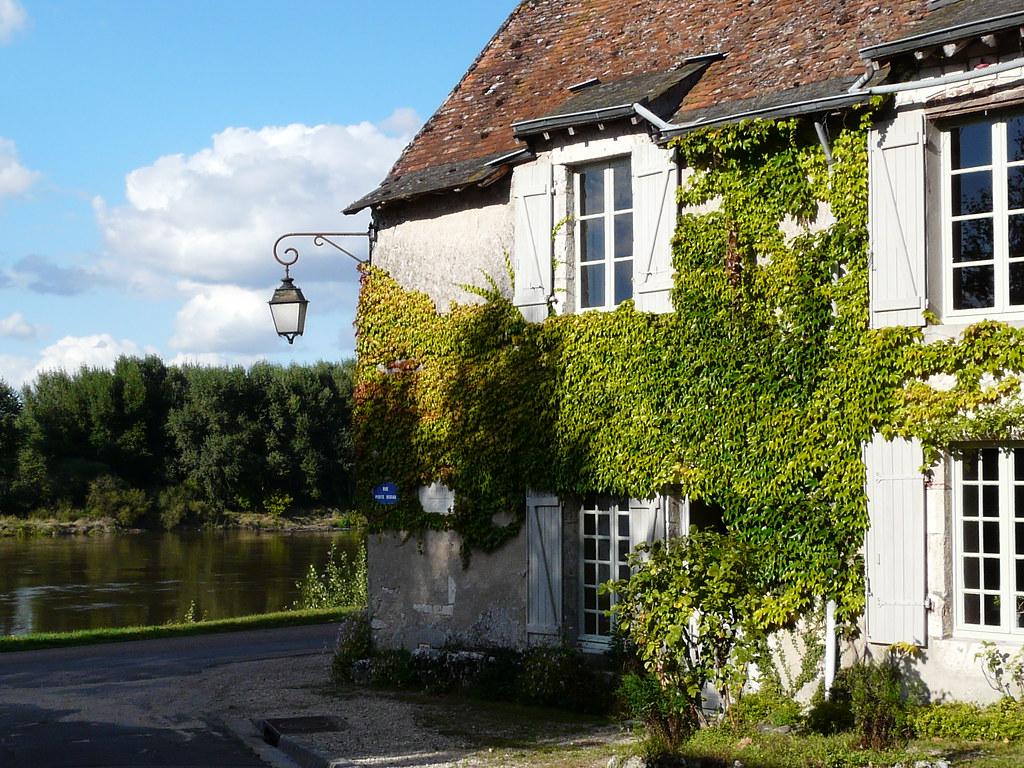 Maison au bord de l 39 eau benalu41 flickr for Augmenter pression eau maison