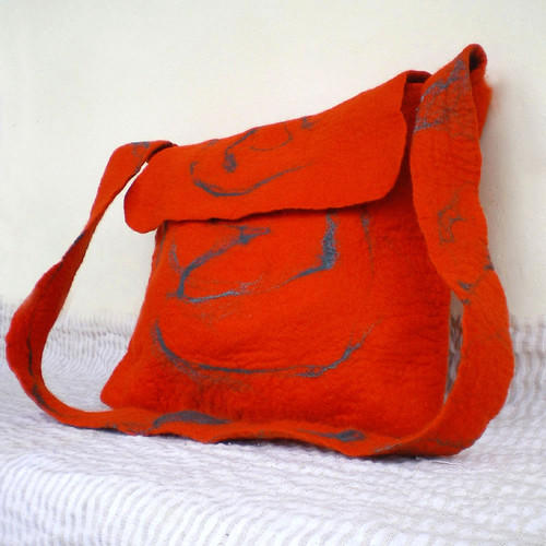 felted messenger bag -pigeon message- 3 | by QaraQul