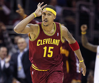 "The ""Goosie"" lives on after JMoon hits a big 4th quarter 3 