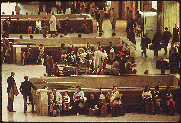 Train Passengers In The Main Hall Of The 30th Street Stati Flickr