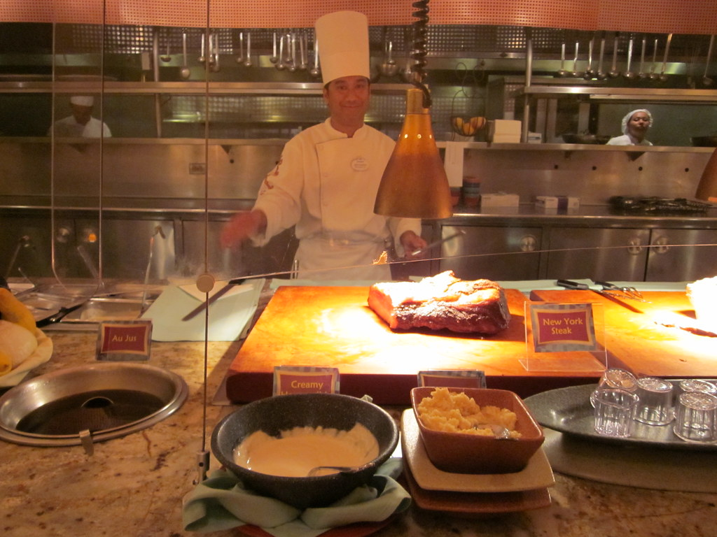 Goofy39;s Kitchen, Disneyland Hotel, Anaheim, CA  www.foodlib