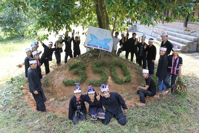 Ha Tinh Vietnam  city images : Ha Tinh, Vietnam | Ha Tinh, Vietnam Oct 10 2010 Students fr ...