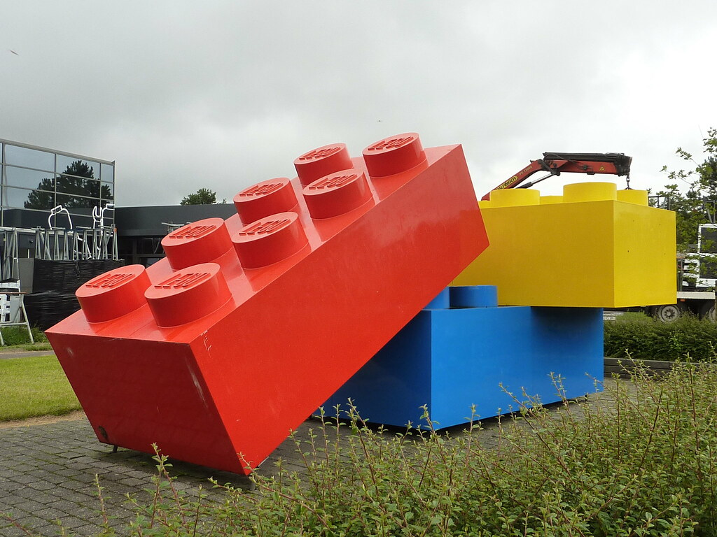 LEGO Headquarters, Billund Denmark | Giant LEGO bricks outsi… | Flickr