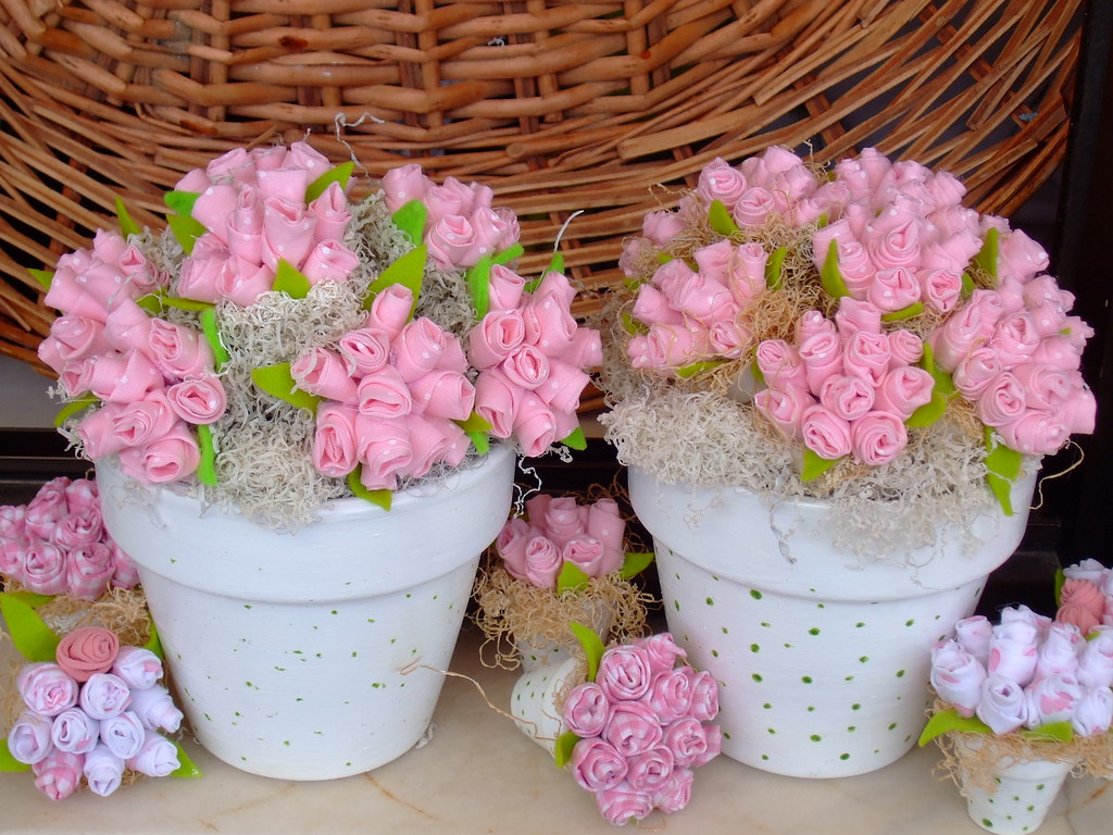 flores de tecidos para decorar o quarto do bebe irene sarranheira flickr