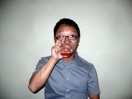 drinking-johnnie-walker | by Mooiness