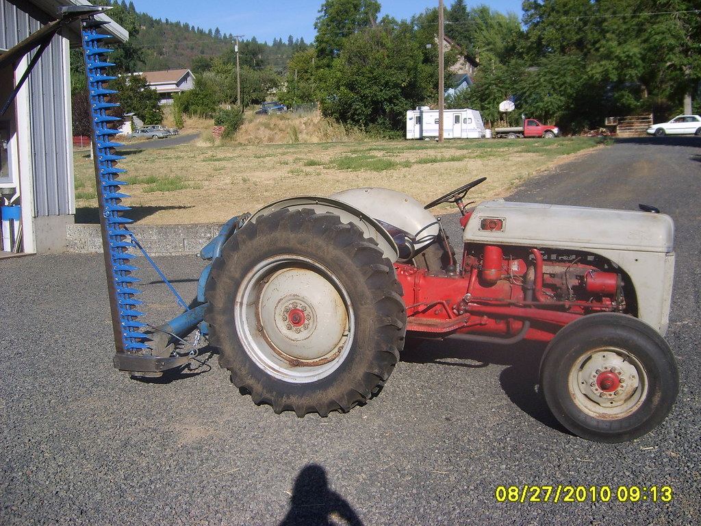 8n Ford Tractor 1949 8n Ford Tractor With A Ford 501