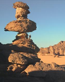 Roca fungiforme o en seta - Akakus (Libia) - 01