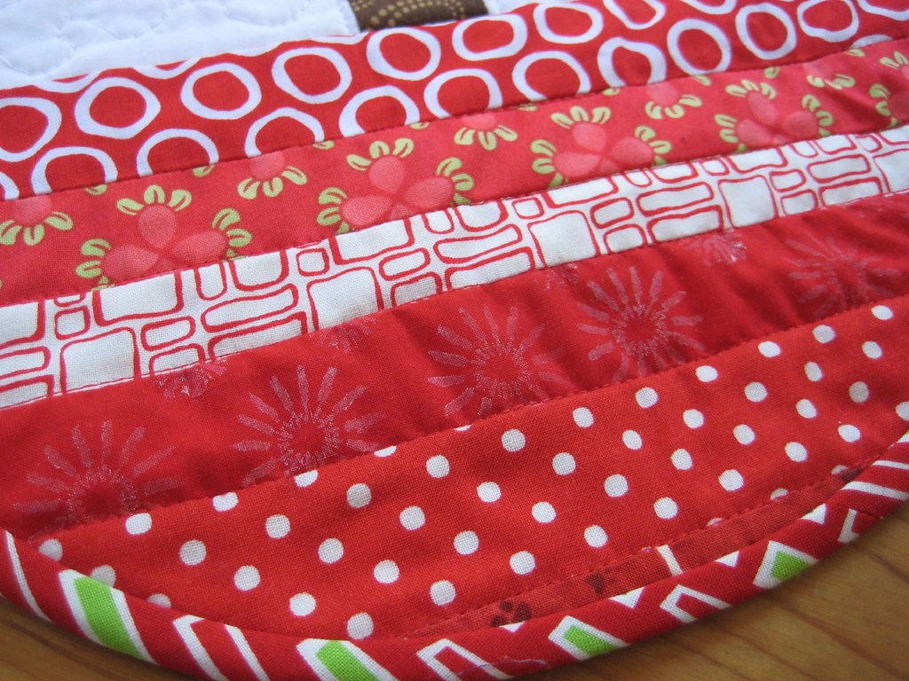 carole fabrics jobs poppyprint fabric in tree skirt pattern by carol of 10153