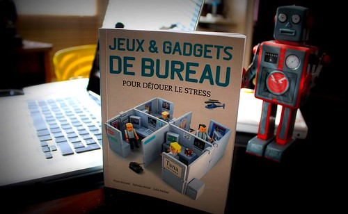 jeux et gadgets de bureau livre jeux et gadgets de bureau flickr. Black Bedroom Furniture Sets. Home Design Ideas