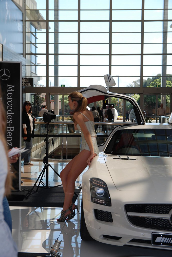Model legs mercedes amg sls gullwing fast cars and for Mercedes benz toorak