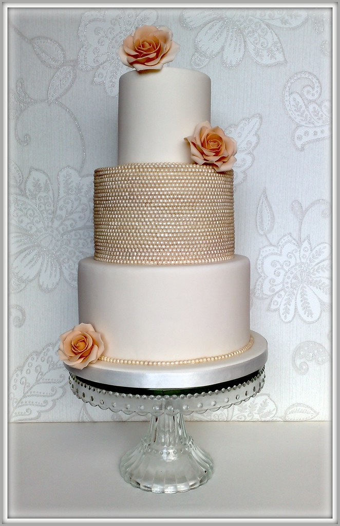 wedding cakes with pearls vintage pearl amp wedding cake 3 tiered wedding cake 26071