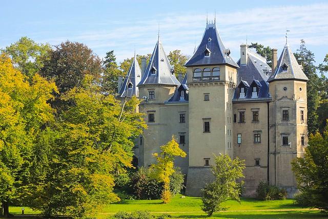 Zamek i arboretum w Gołuchowie / Poland, castle and arboretum in Gołuchów
