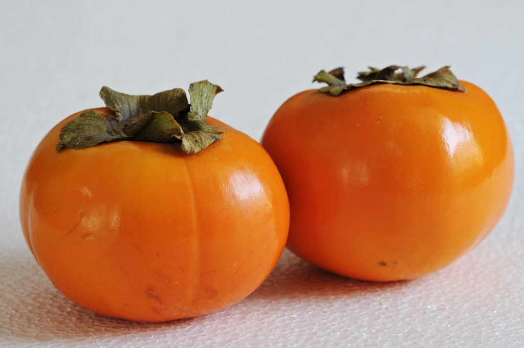 Persimmon | Persimmon is a delicious fruit of the genus ...